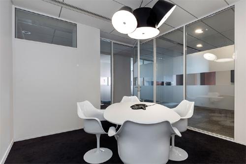 Salle de réunion complémentaire